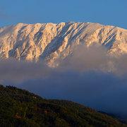 白馬村より乗鞍岳方面の初冠雪