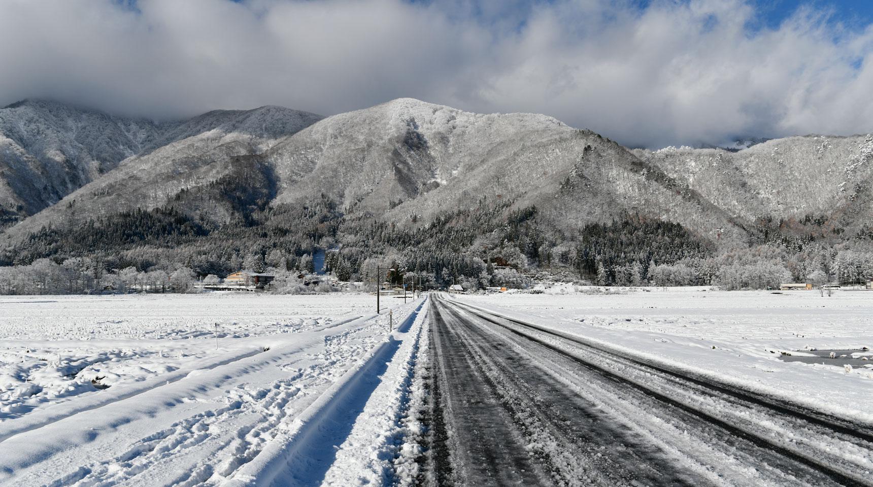 スライド133 冬の到来 白馬村神城