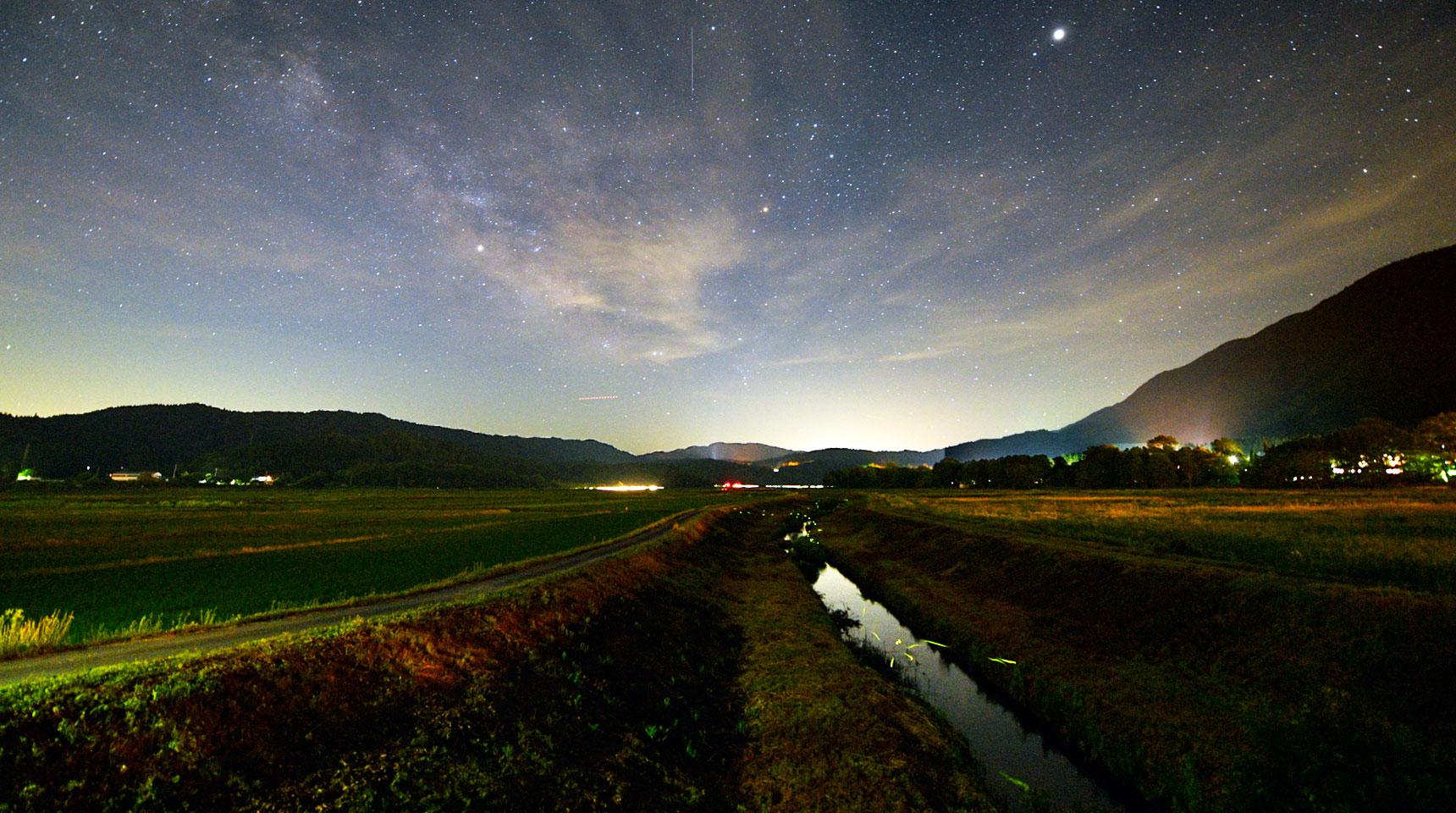 スライド167 白馬村姫川の蛍と銀河