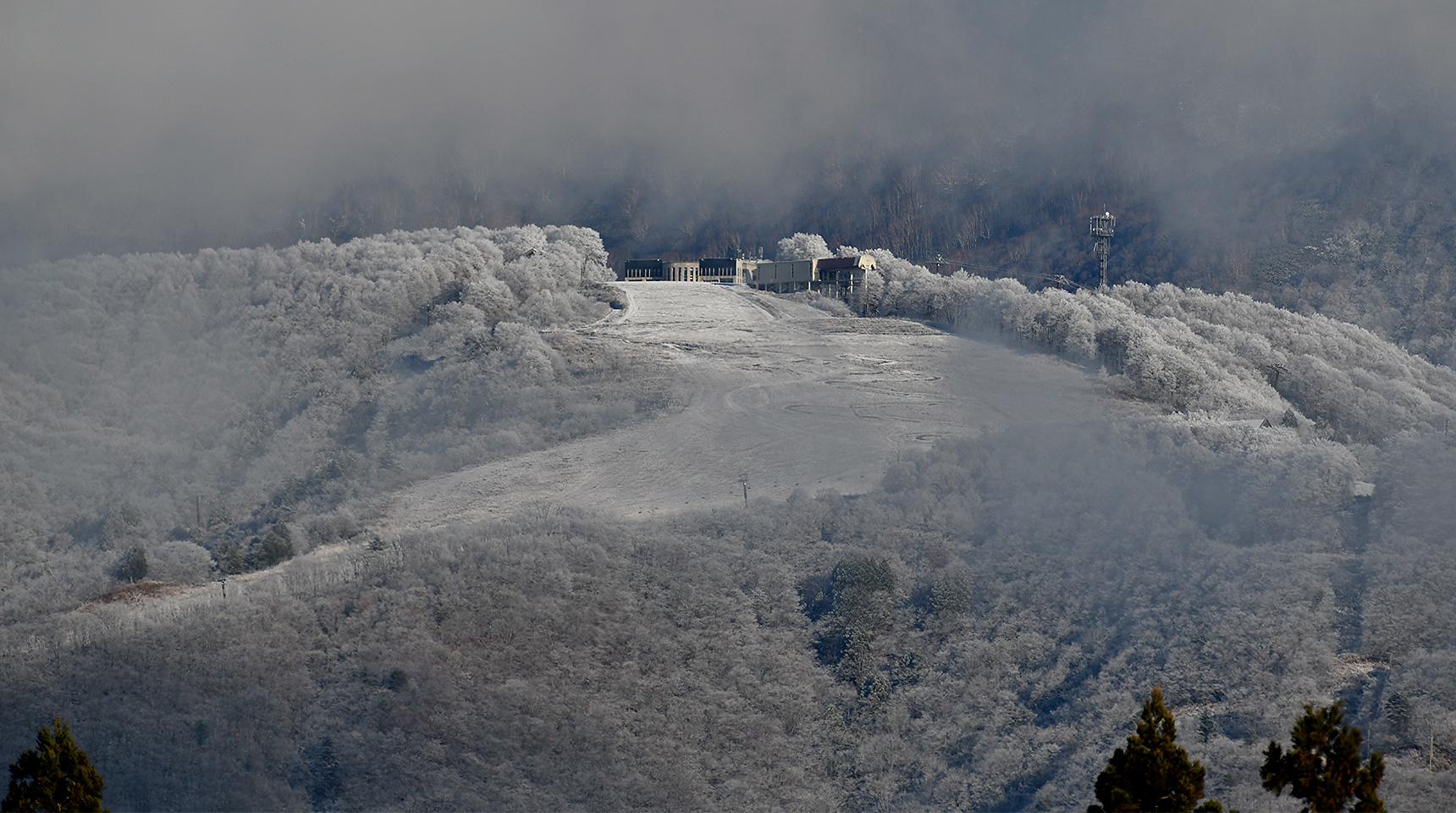スライド 201 岩岳山頂 冬の到来