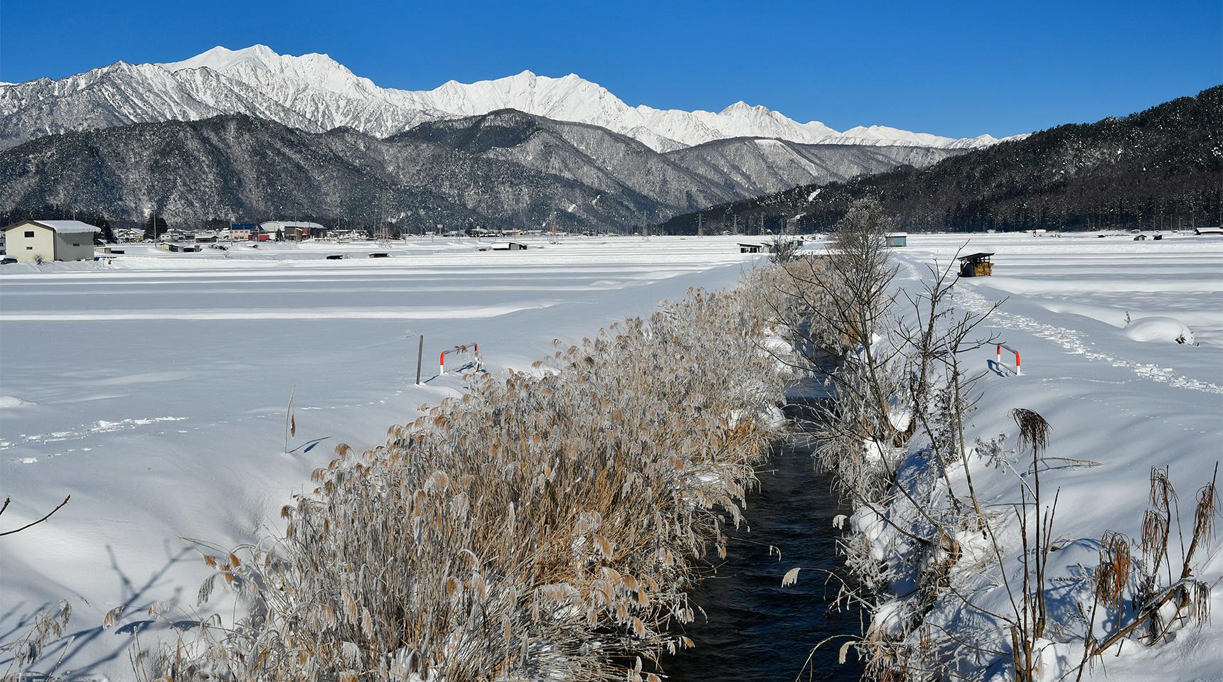 スライド 204 冬の農具川と北アルプス 大町市